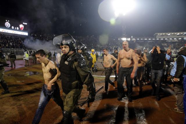 Хрватите добиле по 10 000 евра за да го почнат хаосот на дербито