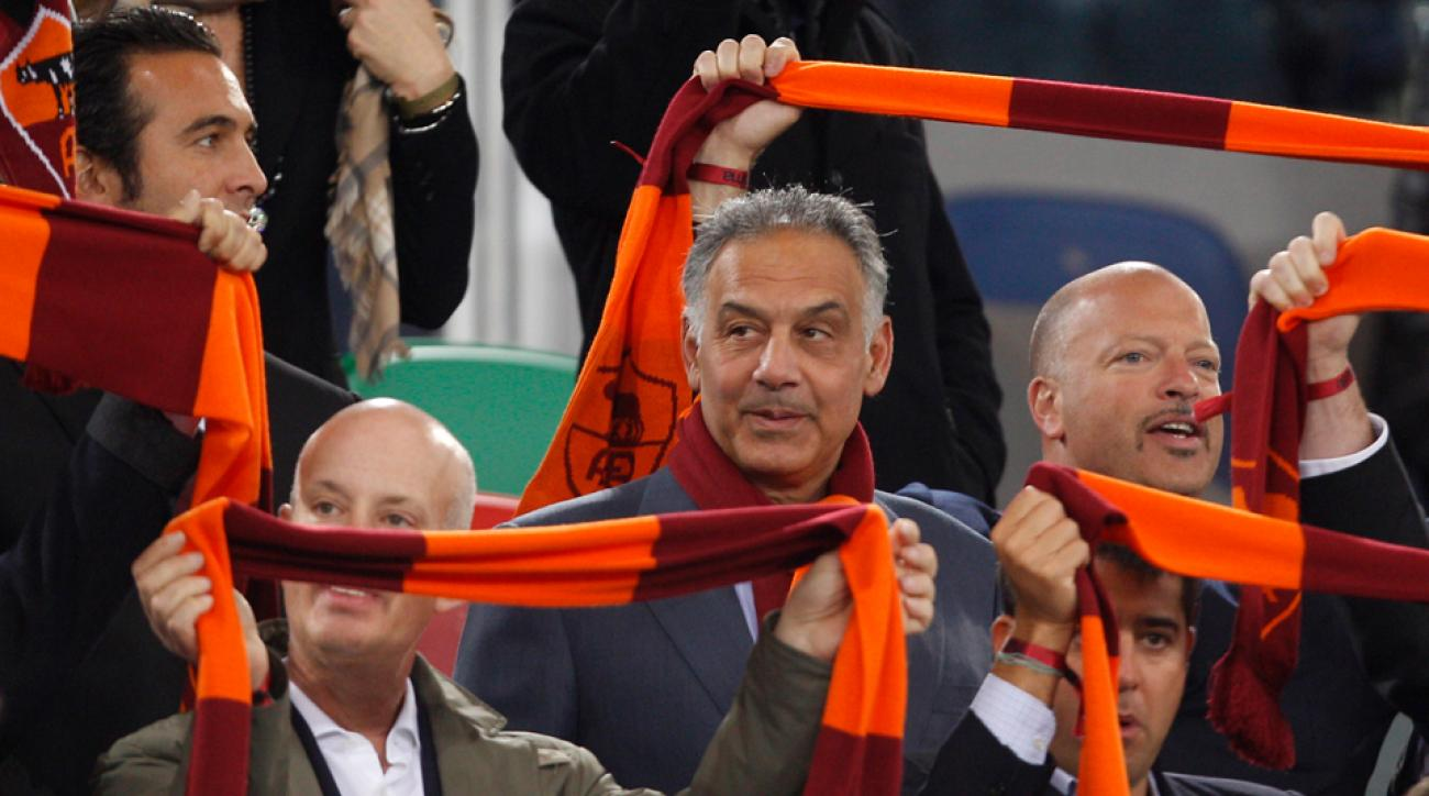 Фановите на Рома контра претседателот  Не ни треба нов стадион