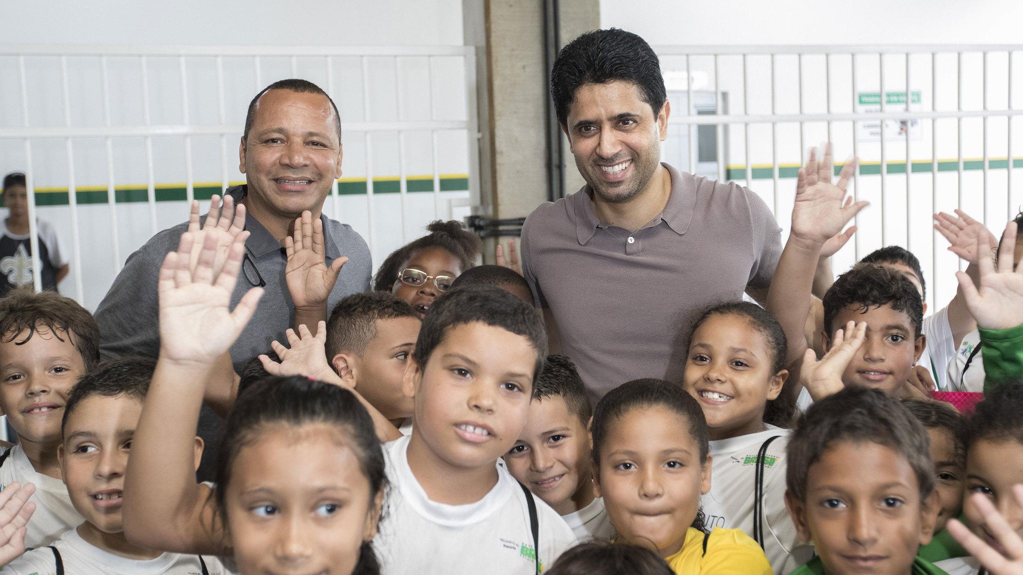 Ал Хелаифи и Нејмар Сениор заедно на училиште